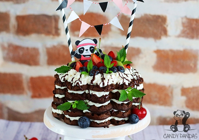 Tort gofrowy, proteinowy i wegański na urodziny Pandek (bez glutenu, cukru białego, laktozy, wegańskie)