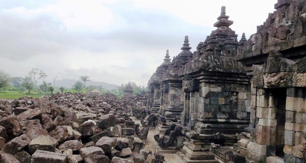 Runtuhnya Tradisi Hindu Buddha Di Indonesia Muttaqin Id