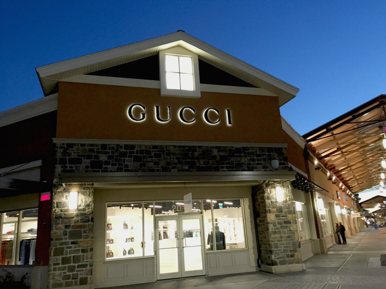 hot sale online 0308e 98308 Vivre-N-Adore: Gucci At the Mirabel Outlet