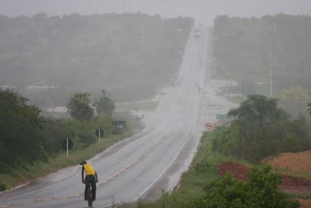 Empresa promete tecnologia pra fazer chover na Paraíba
