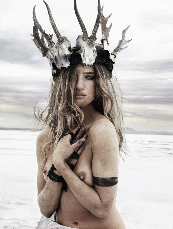 Rosie huntington whiteley nude fakes are