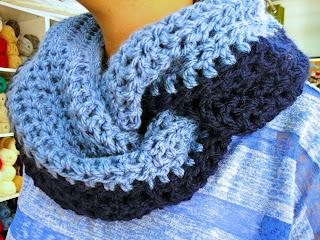 cuello de crochet con lana gorda lotus