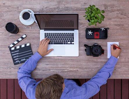 10 افكار لانشاء قناة ناجحة على اليوتيوب + برامج مونتاج - فوتوشوب - تصوير