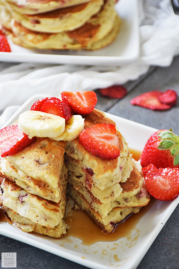 Strawberry Pancakes Recipe ready to eat