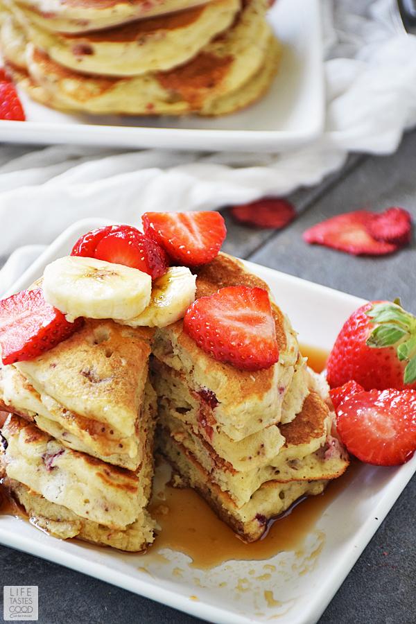 Strawberry Pancakes Recipe ready to eat