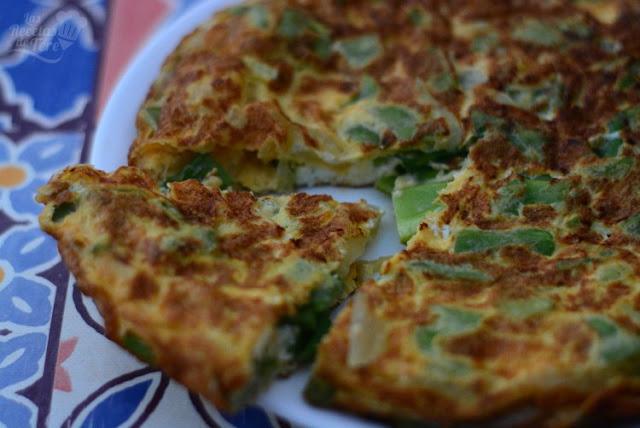 Maravillosa tortilla de judías verdes y cebollas 01