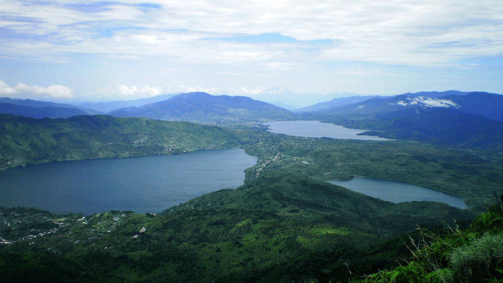 Danau Kembar di Solok Sumatra Barat