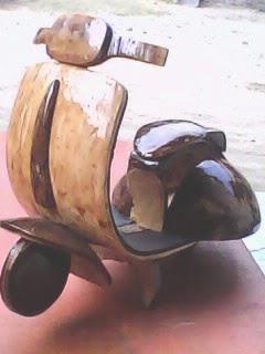 Cara Membuat Miniatur Vespa Dari Batok Kelapa