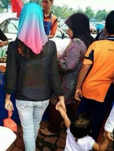 Koleksi 'Pemandangan Indah' Yang Membinasakan Ibadat Puasa Di Bazar Ramadan