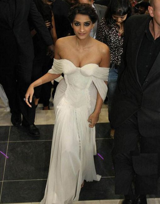Bikini Tm Sonam Kapoor Latest Event Hottest Photos 1