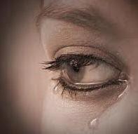 Gambar menangis sedih krn patah hati gara gara cinta