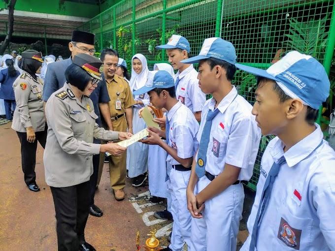 Police Go To School di 4 Sekolah Unggulan di Jakarta Barat, Berikan Motivasi dan edukasi  kepada para pelajar