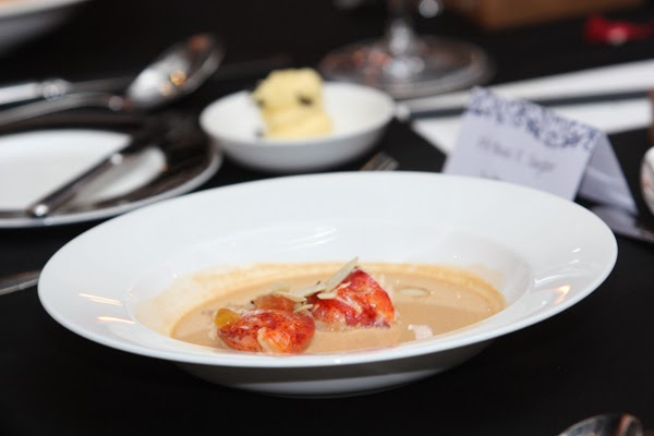 Warm spices crusted lobster tail in Glenfiddich flamed lobster bisque, sprinkled with honey-caramelized almonds & finished with vanilla butter emulsion.