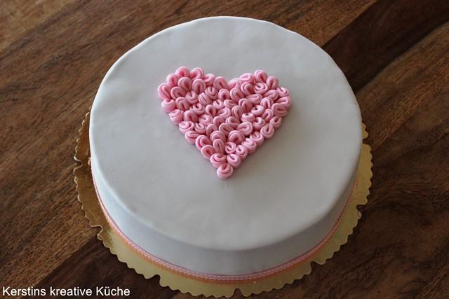 Kerstins Kreative Kuche Fondant Torte Mit Herz Im Vintage Stil