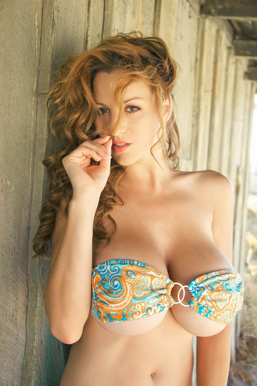 Jordan Carver Hot Tiny Bikini In Keeler Beach - Big Boobs -3725