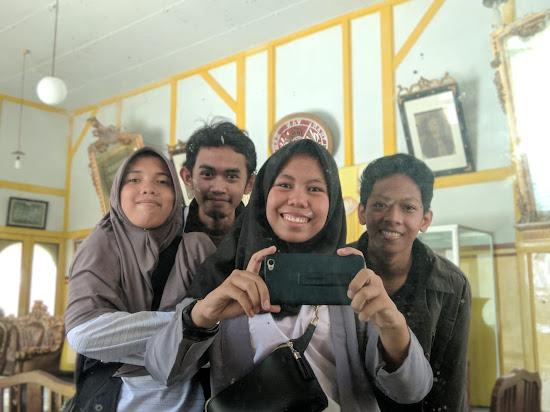 Selfie Dulu - Catatan Nizwar ID