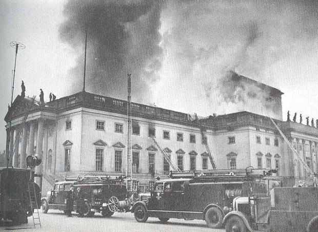 9 April 1941 worldwartwo.filminspector.com Berlin Opera House fire