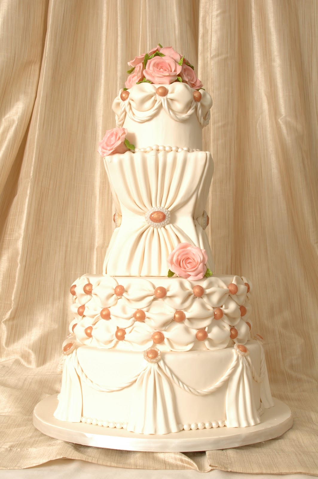 Sweet Eats Cakes Romantic And Modern Wedding Cakes