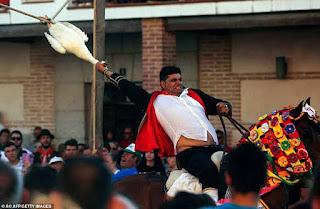 مهرجان قطع رؤوس الأوز في إسبانيا، احتفالا بسقوط الأندلس