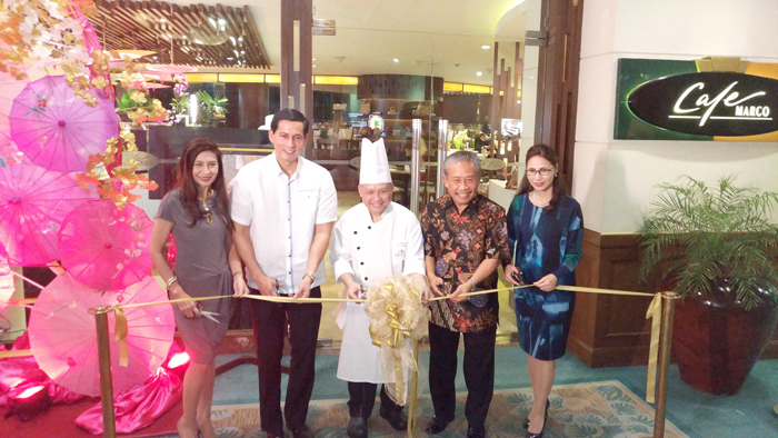 Cafe Marco Thai Food Festival cutting of Ribbon