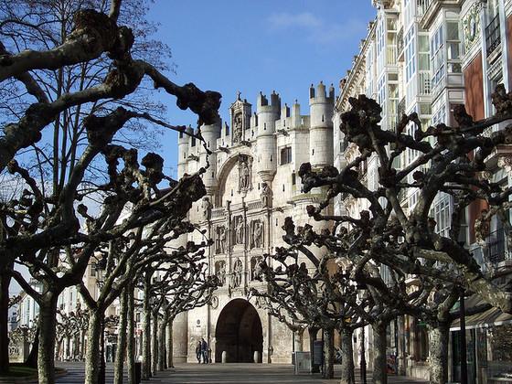 imagen_burgos_arco_santa_maria_puerta_carlos_v_renacimiento_arte_escultura