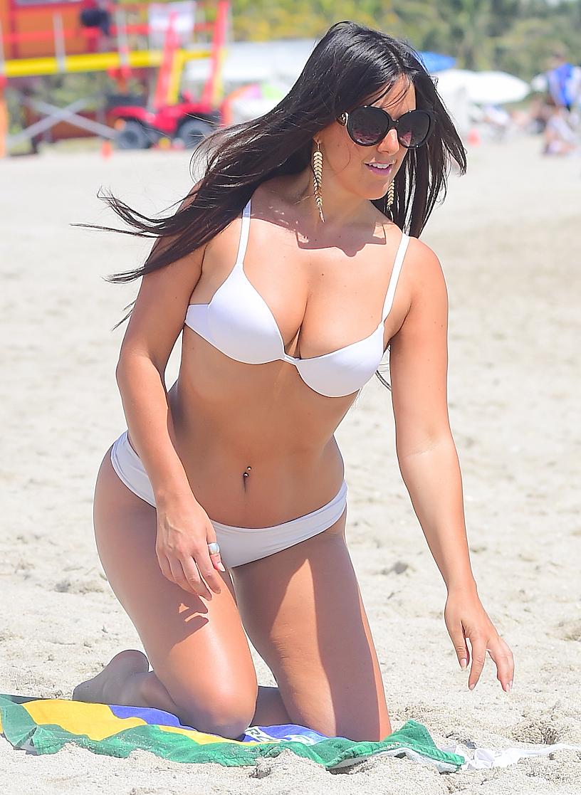 Claudia Romani in Bikini on Valentine's Day at the Beach in Miami