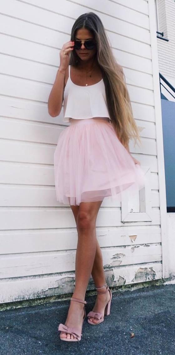 cute outfit_top + skirt + heels