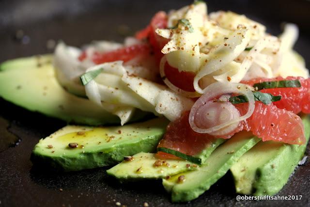 Spargelsalat ro, mit Grapefruit und Avocado