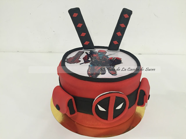 TARTA DEADPOOL 1