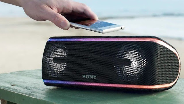Sony SRS-XB41 Bluetooth speaker review - light show the water