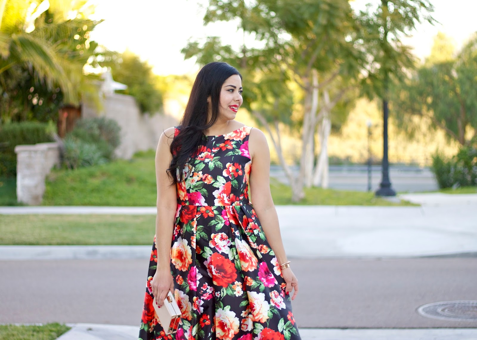 San Diego Style Blogger, how to wear a bold print, bold red lips and dark hair, socal blogger