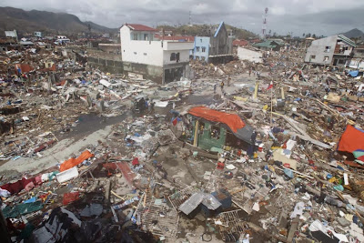 Typhoon Haiyan It looks like Thailand 2004