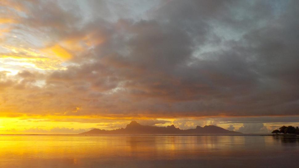 Crépuscule à la Pointe des Pêcheurs Tahiti
