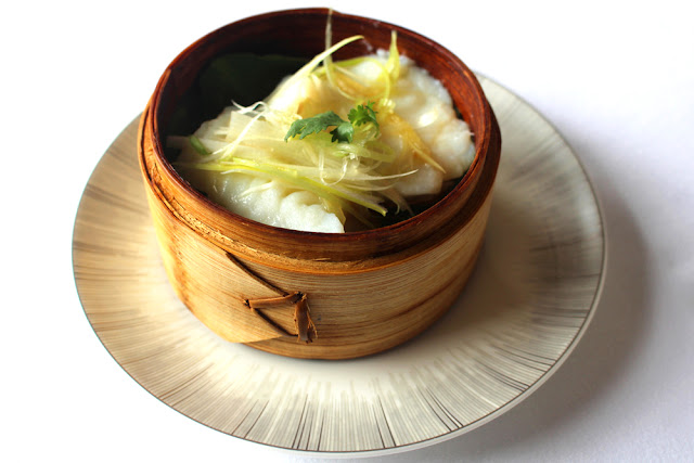 Lunch at Yan Toh Heen, Hong Kong Michelin-starred restaurant - HK Asia travel blog