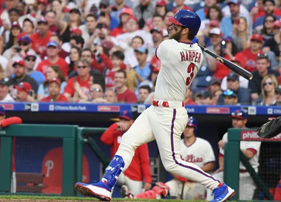 Bryce Harper hits his first homer with the Phillies in win