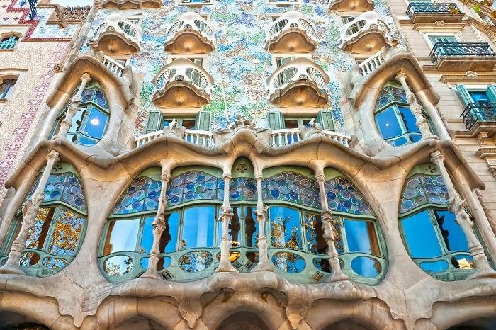 Antoni gaud symbolism art nouveau architect tutt 39 art - Art nouveau architecture de barcelone revisitee ...