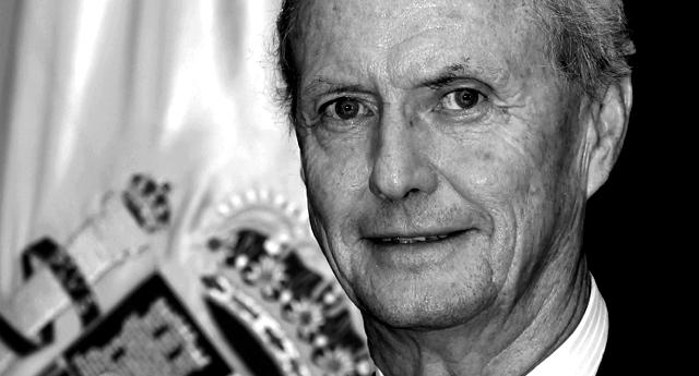 Pedro Morenés, 'El Carnicero', también hizo negocio con el Ébola