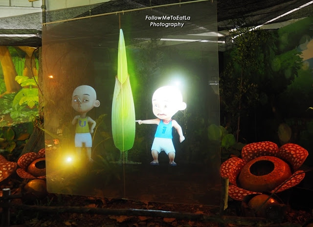 Upin & Ipin Hologram Display