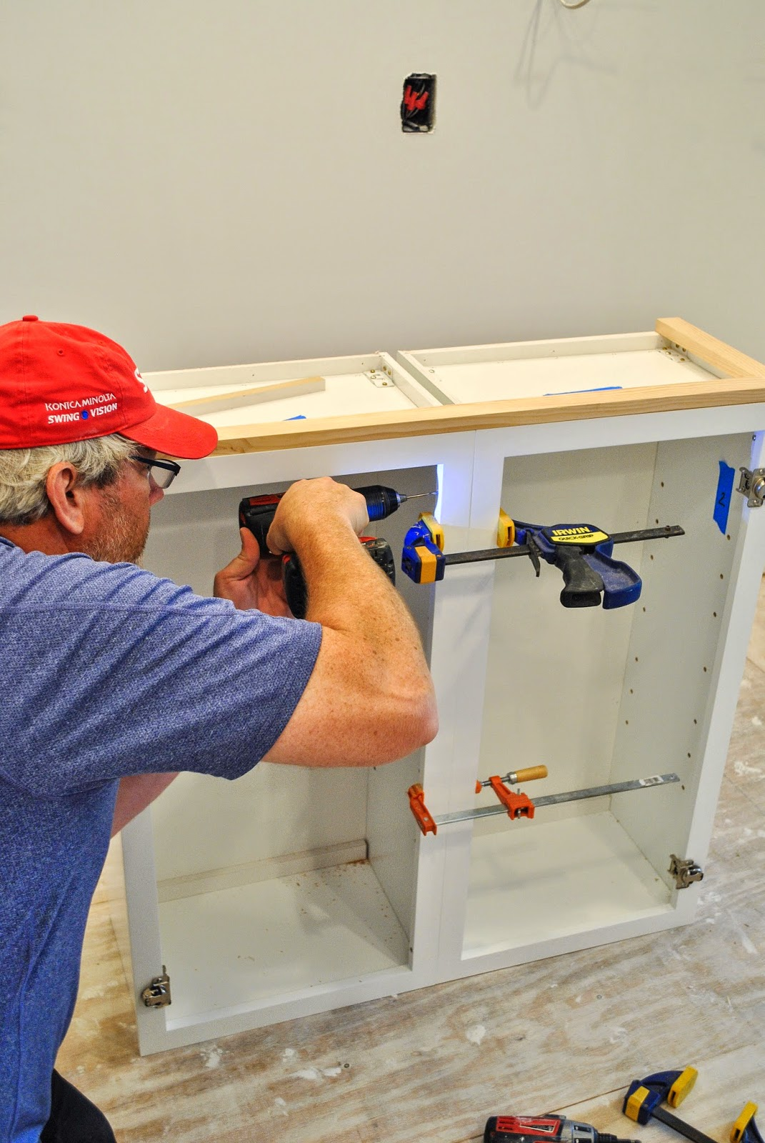 Attaching Kitchen Cabinets To Wall