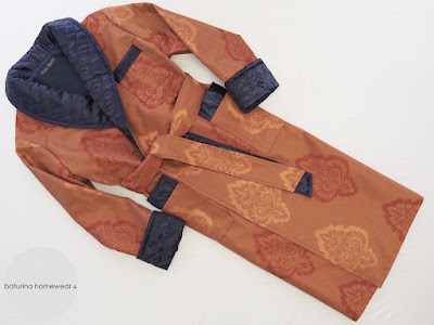 edel luxus morgenmantel barock paisley englischer stil hausmantel lang baumwolle gefüttert gesteppt orange braun terracotta blau