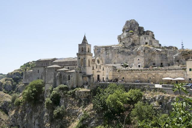 Panorama di Matera e Chiesa di San Pietro Caveoso