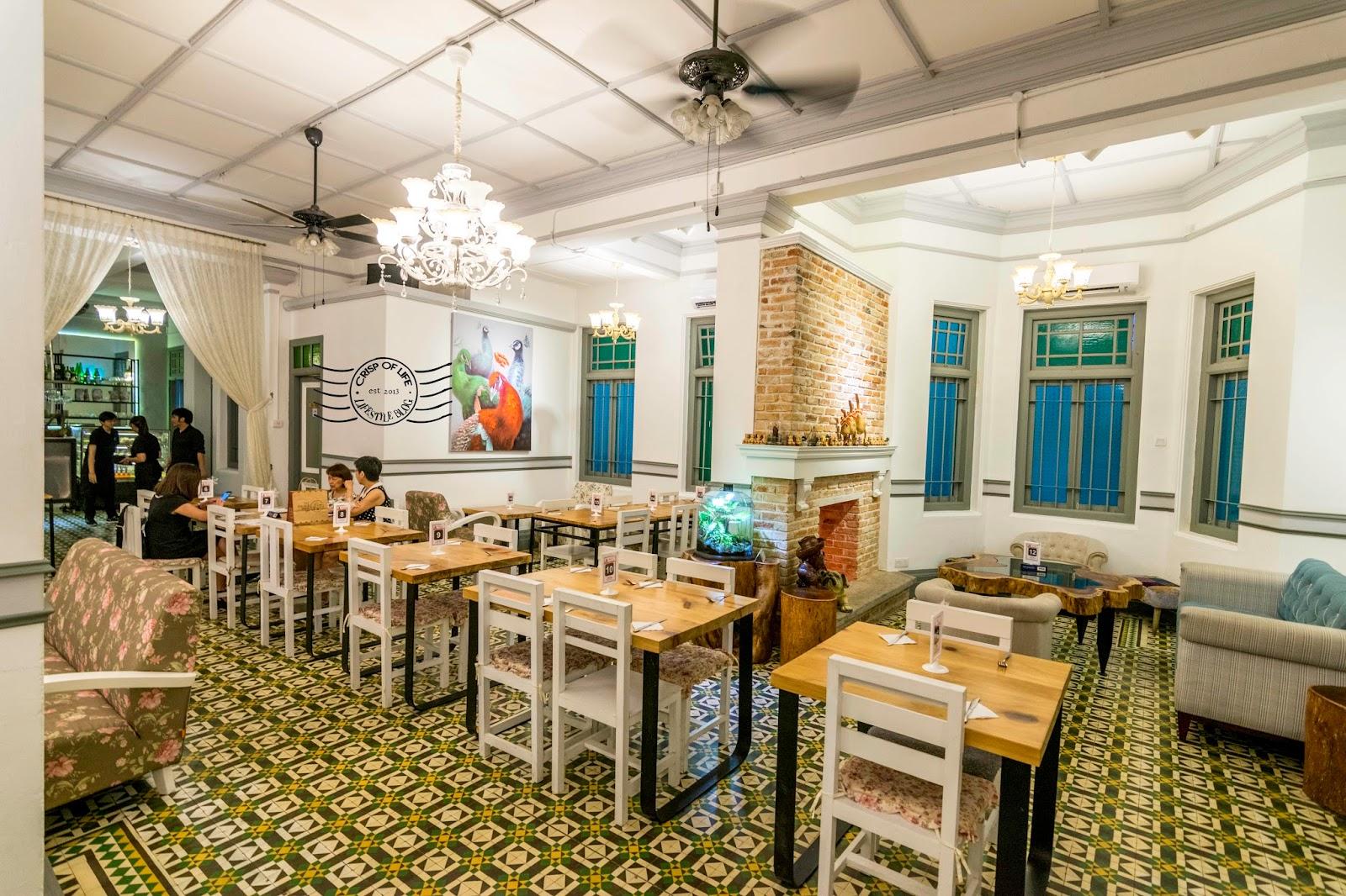 D' Fat Mona Lisa Cafe @ 17 Kelawei, Georgetown, Penang