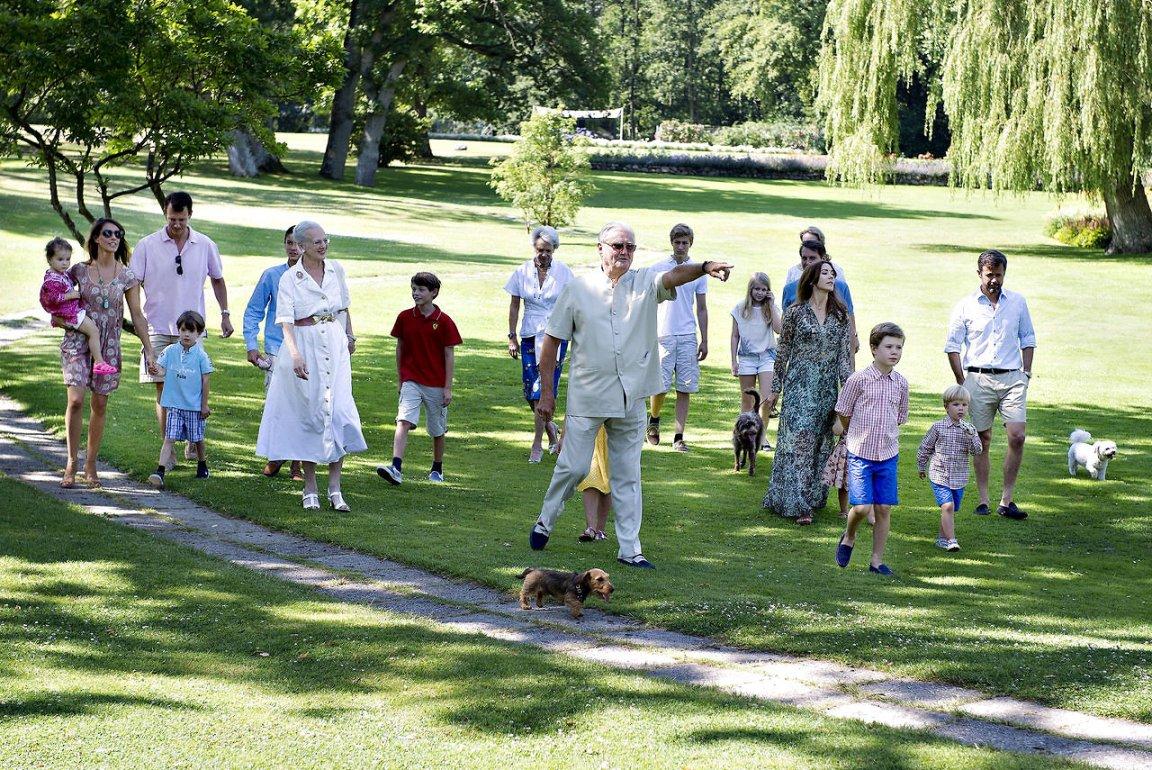Danish Royal Family 2014 Photo session at Grasten Slot ...
