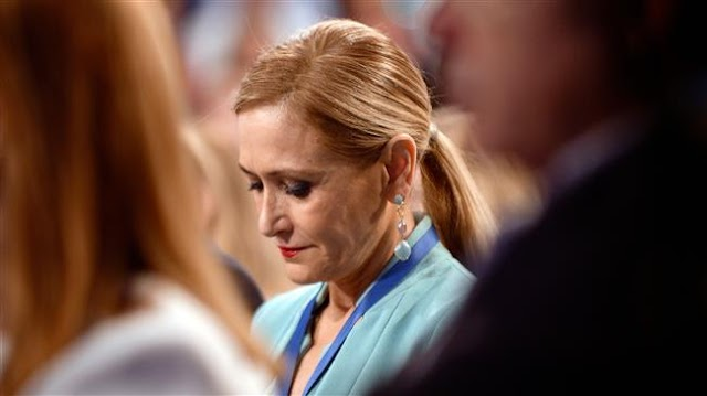 Madrid regional president Cristina Cifuentes steps down over stealing face cream