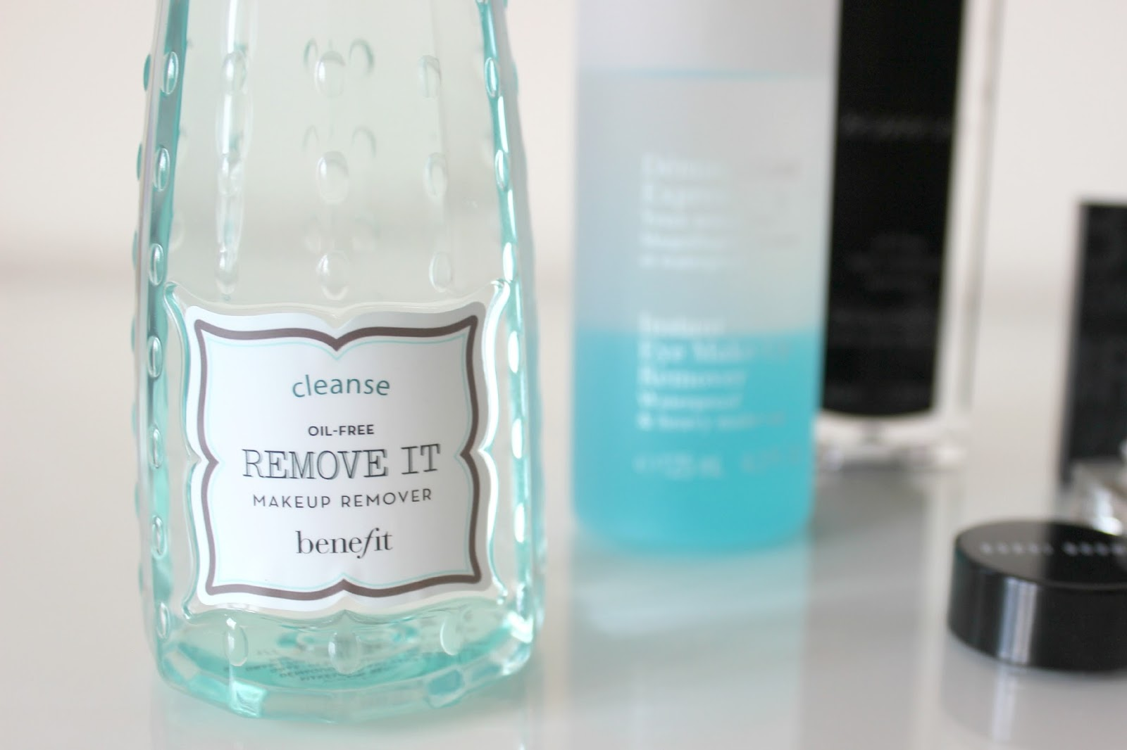 A picture of Benefit Oil-Free Remove It Makeup Remover