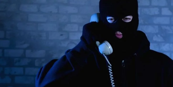 Scam Alert: Scammers Call You Now From Your Own Phone Number!