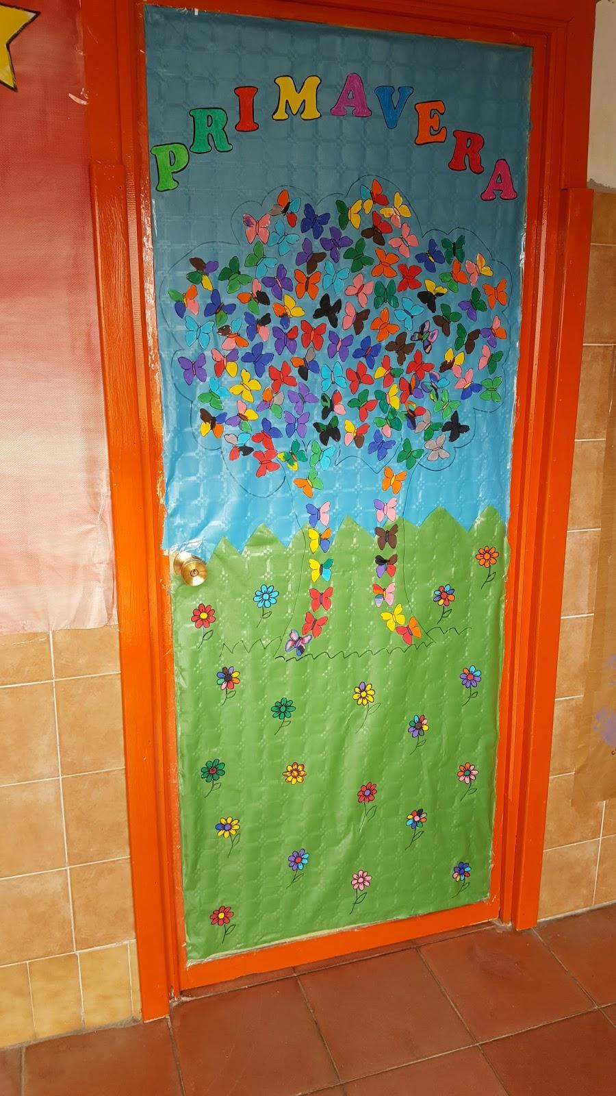 Pequealjibe decoraci n de puerta primavera Decoracion para puertas