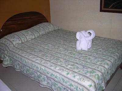 Habitación Arenal Hostel Resort, La Fortuna, Costa Rica, vuelta al mundo, round the world, La vuelta al mundo de Asun y Ricardo, mundoporlibre.com