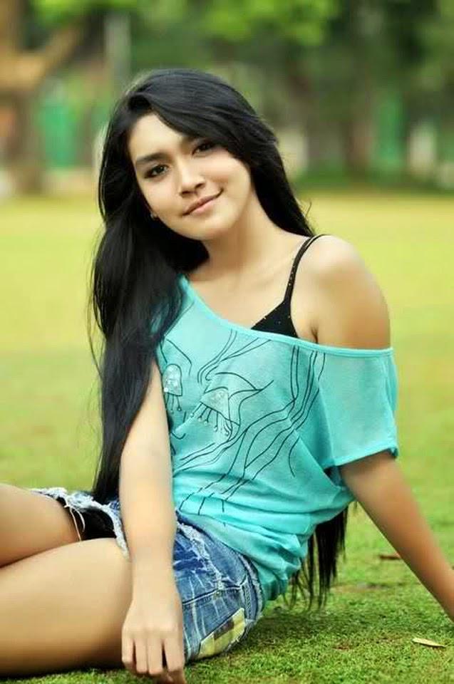 Image Result For Dewi Purnama Sari Selfie Cantik Model Indonesia