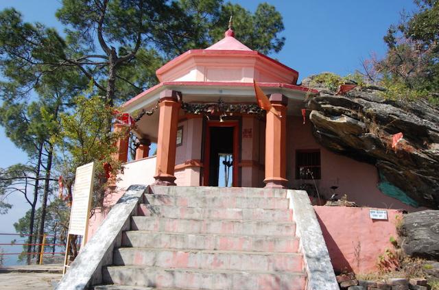 इन चमत्कारी मंदिरों से कोई खाली हाथ नहीं लौटता